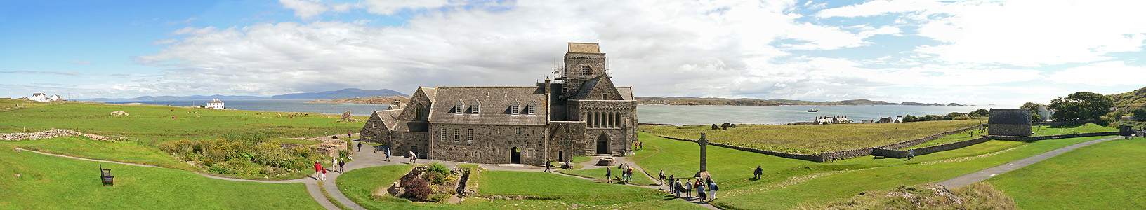 """""""Iona Abbey. Panorama"""" by Oliver-Bonjoch - Own work. Licensed under CC BY-SA 3.0 via Wikimedia Commons"""